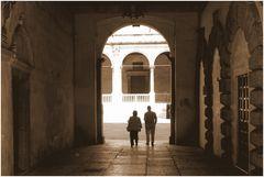 passaggio verso piazza dei Signori o piazza Dante.....
