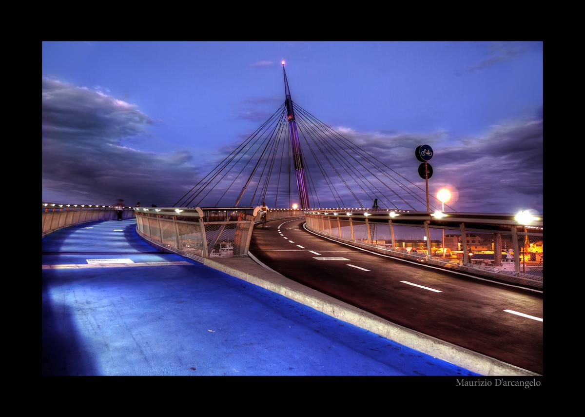 Passeggiata sul ponte del mare