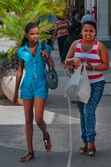 Passers-by in Camagüey