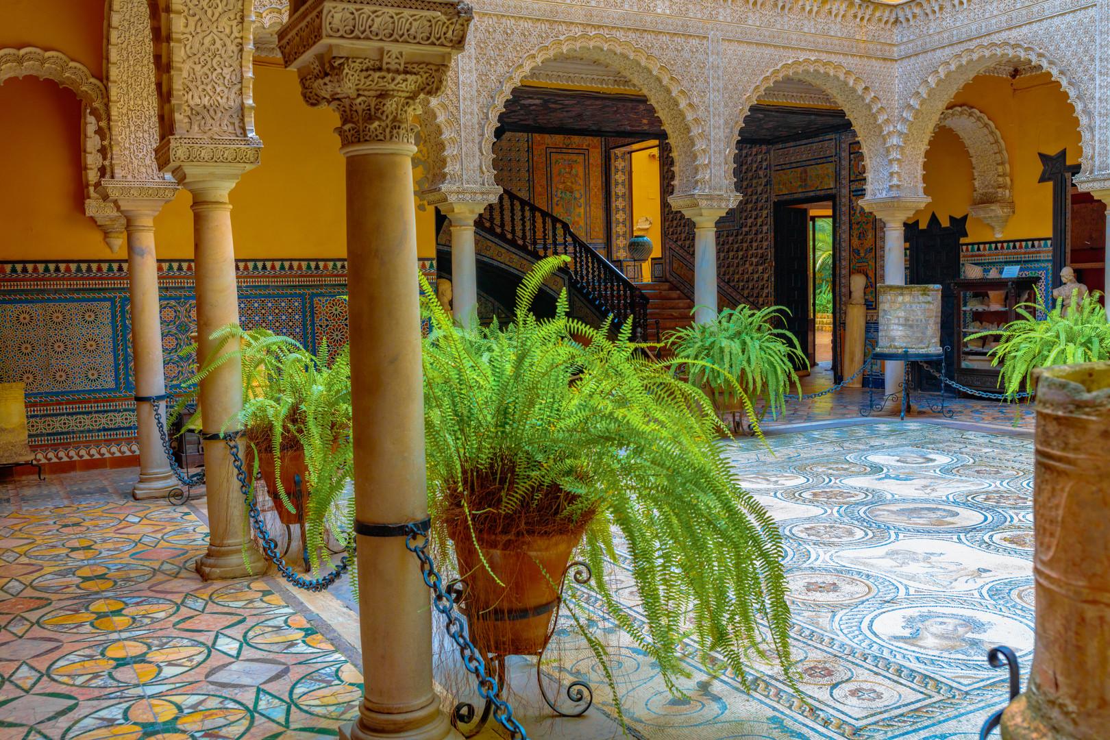 Patio casa lebrija imagen foto arquitectura escaleras for Alquiler de casas en lebrija sevilla