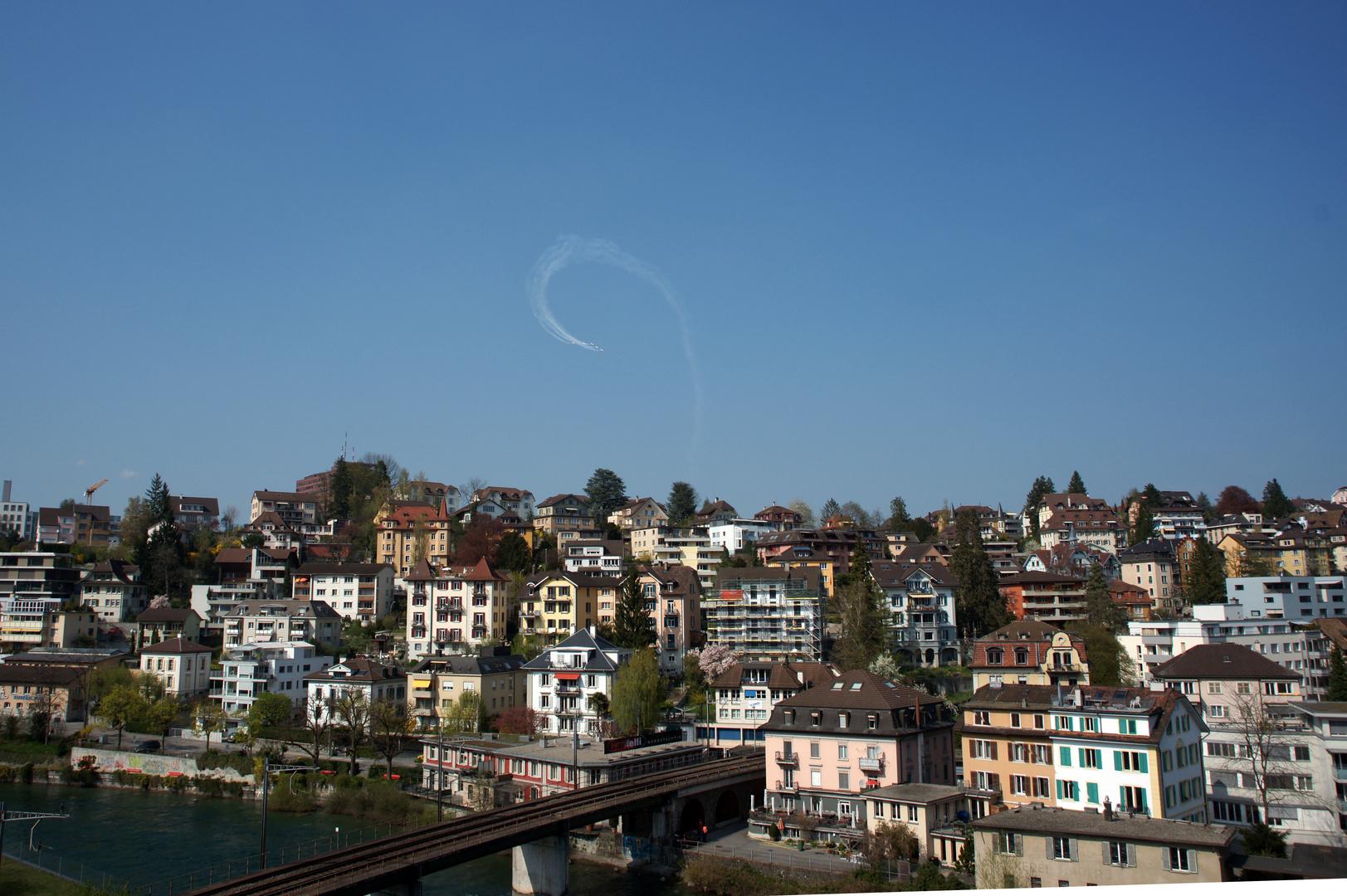Patrouille Suisse im Training, fotografiert von meinem Balkon aus
