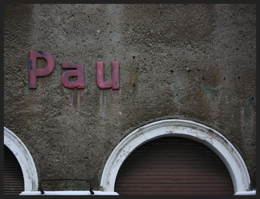 Pau...