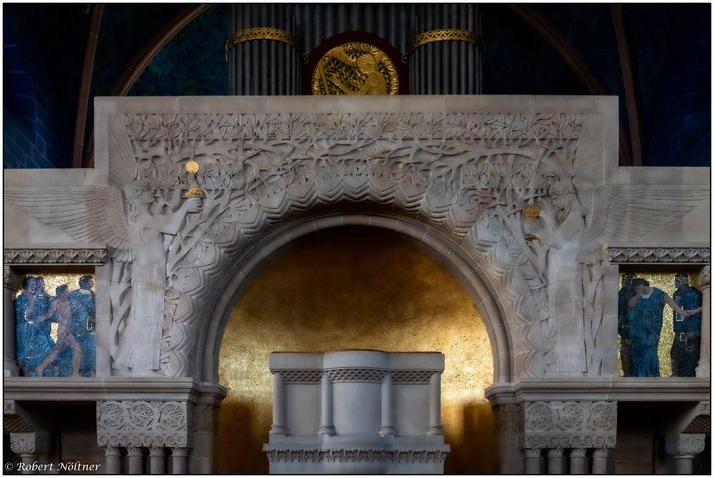 Pauluskirche Innenraum Altar