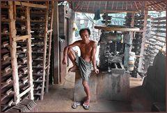 Pause- Ziegelbrenner auf Bali/Indonesien