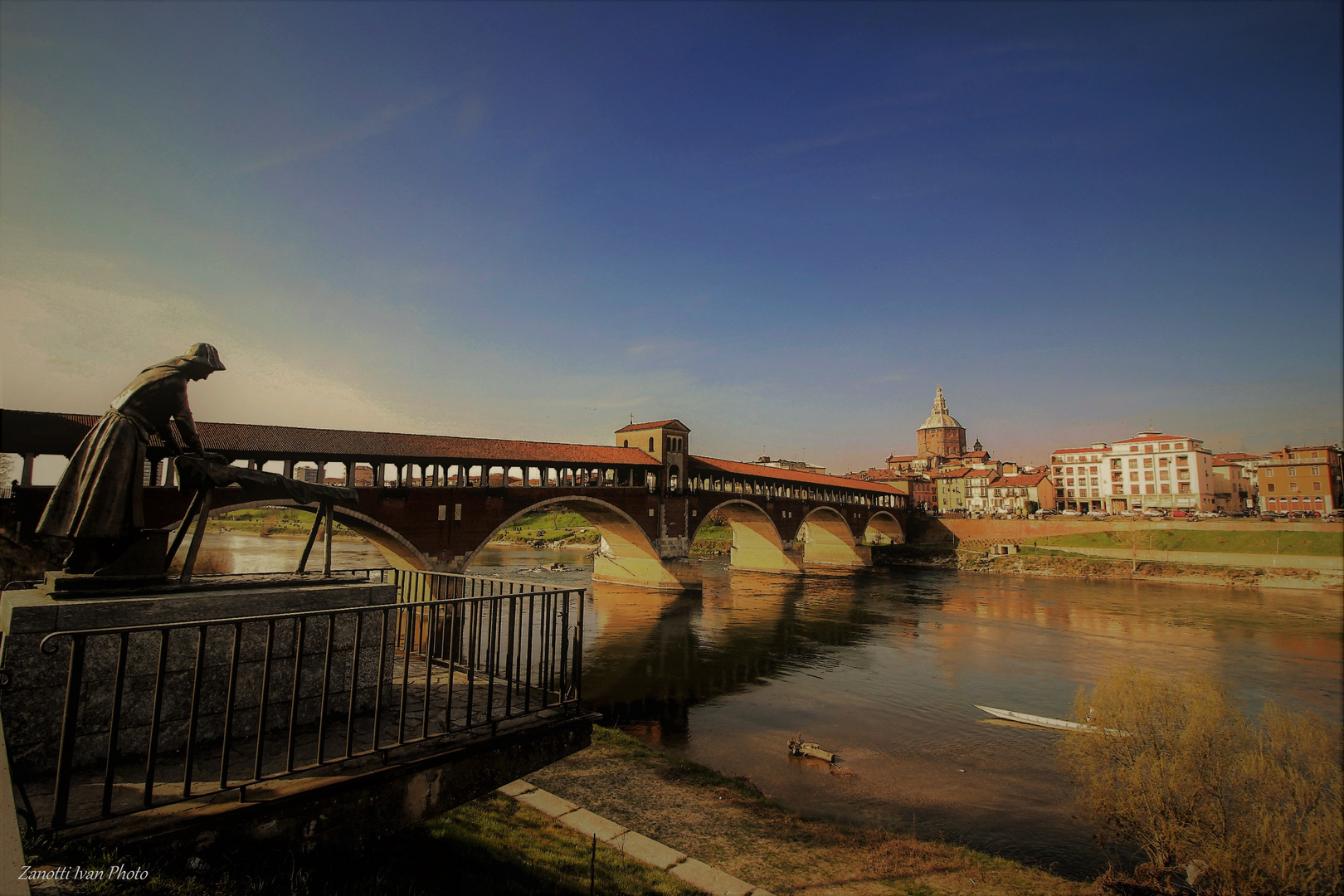 - Pavia  -