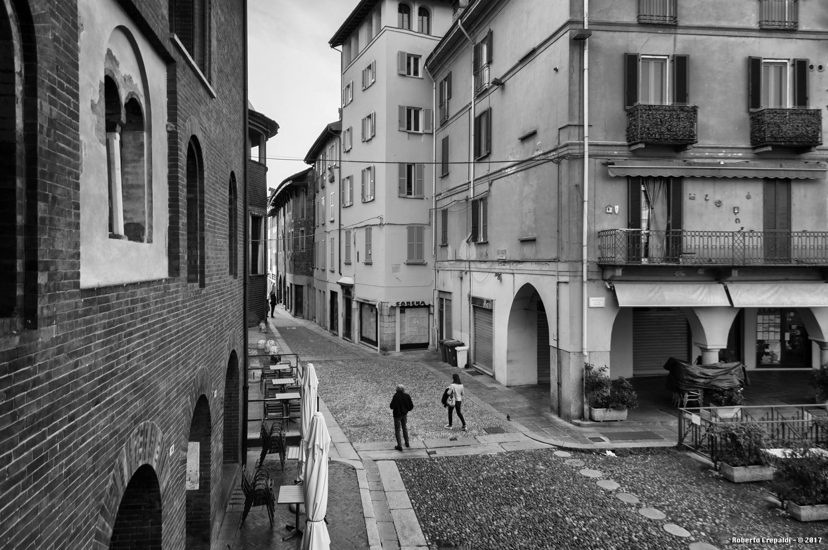 Pavia, Piazza della Vittoria dal Broletto