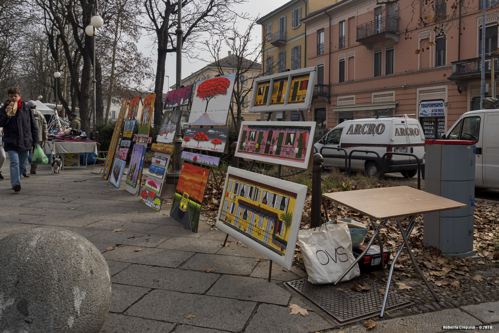 Pavia, Viale Giacomo Matteotti, mercatino