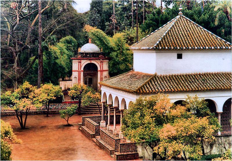 Pavilion im Garten des Alcazar