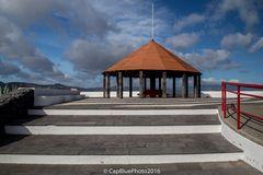 Pavillion an der Praia Barbara vor Ribeira Seca
