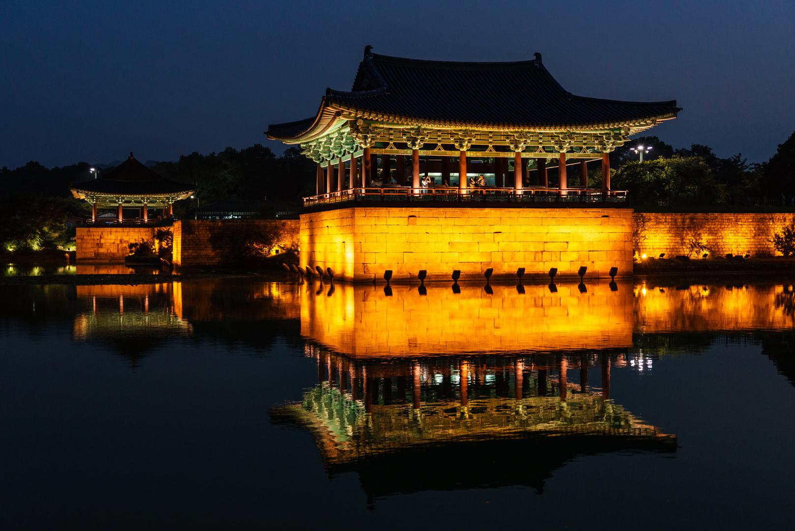 Pavillon im Wolji Teich in Gyeongju, Südkorea
