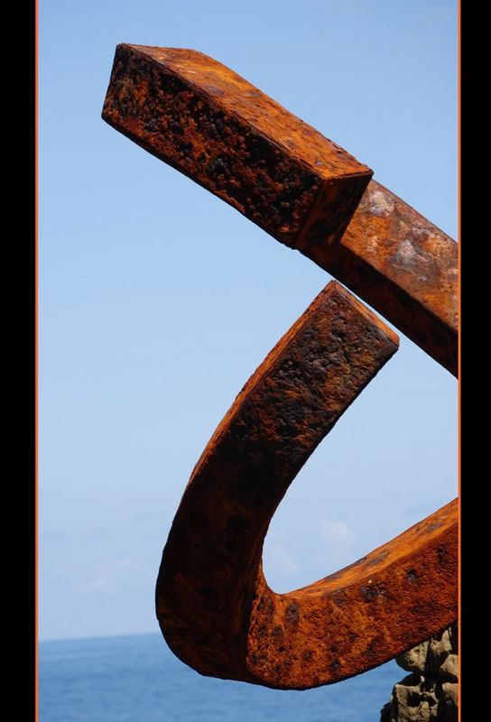 Peine de los vientos 3 (Detail)