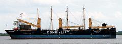 Peking auf Combi Dock III auf dem Weg nach Brunsbüttel qm 30.7.2017