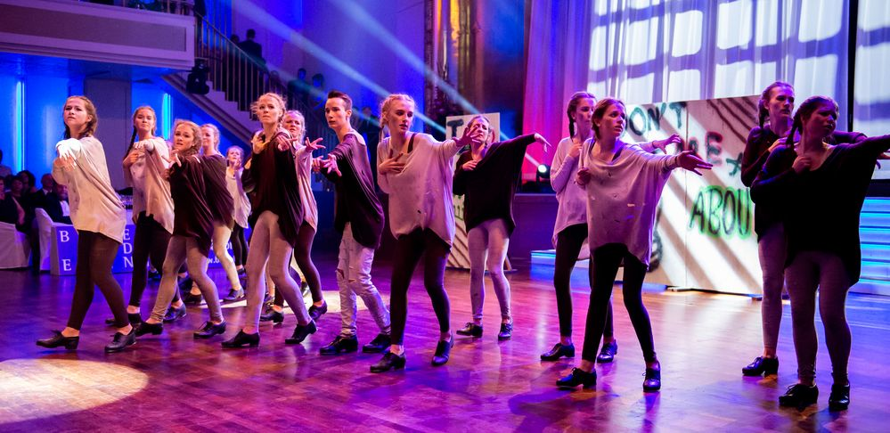 """Penguin Tappers Junior Stepptanz-Formation mit """"They don´t care about us"""""""