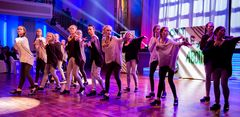 "Penguin Tappers Junior Stepptanz-Formation mit ""They don´t care about us"""