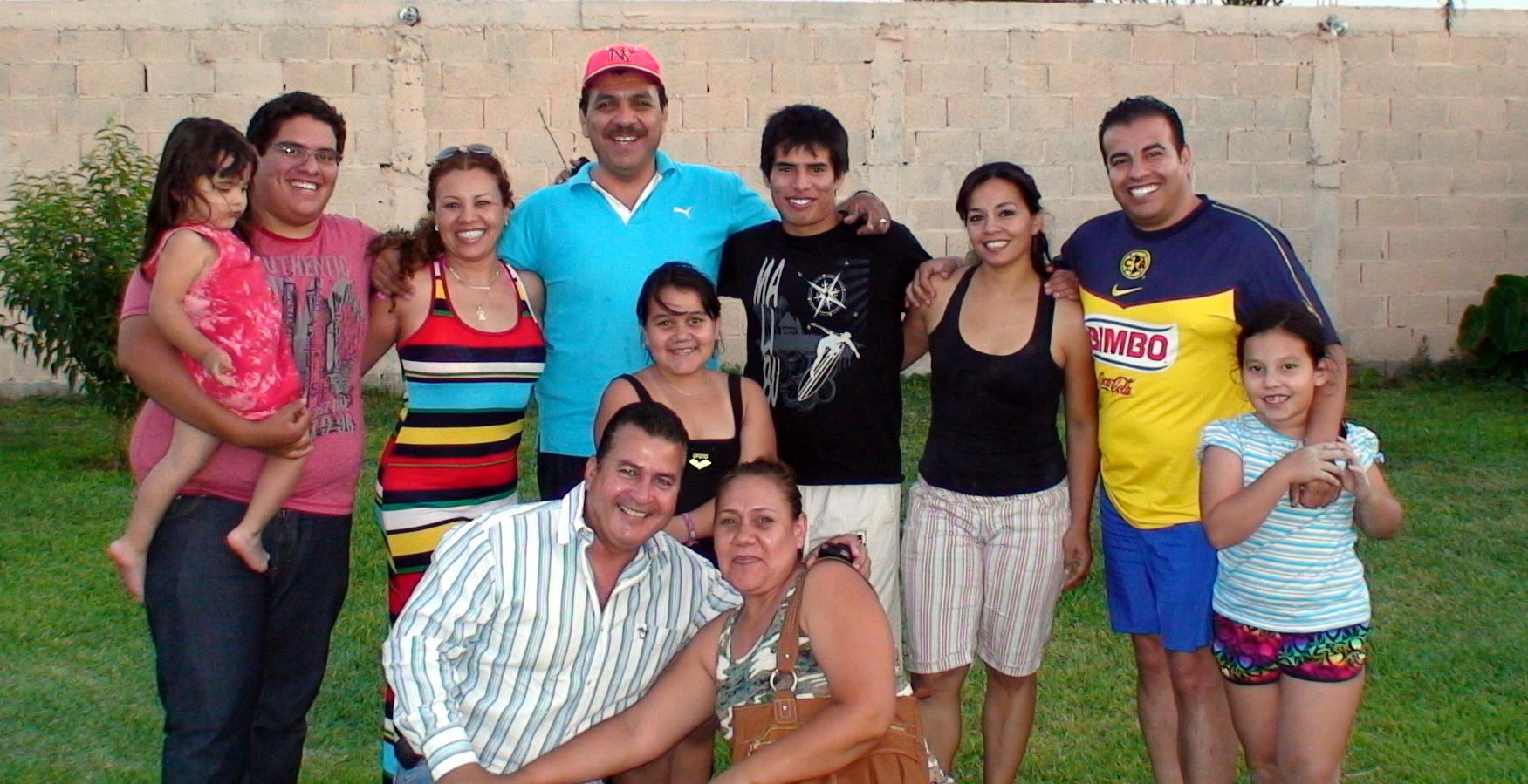People... en el cariño, mayo, 2012.-