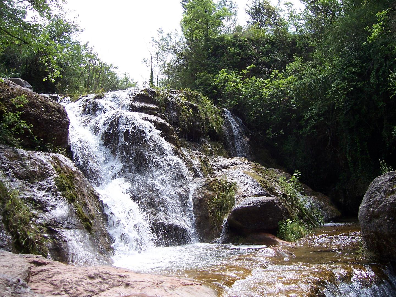 Pequeña cascada