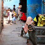 Per strada - Varanasi 1