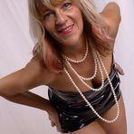 Perlen können auch kleidsam sein