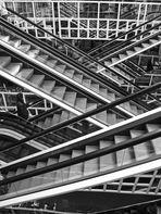 Perpetuum Mobilie: Treppen rauf und runter es geht immer rund.