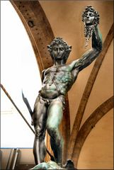 Perseus showing the head of Medusa by Benevenuto Cellini (1533)