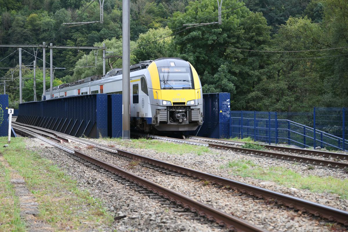 Personenzug bei  Poulseur  (B)