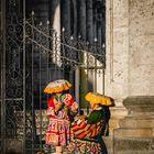 Perú   Mujeres con trajes tipicos peruanos