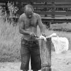 Pescador trabalhando 01