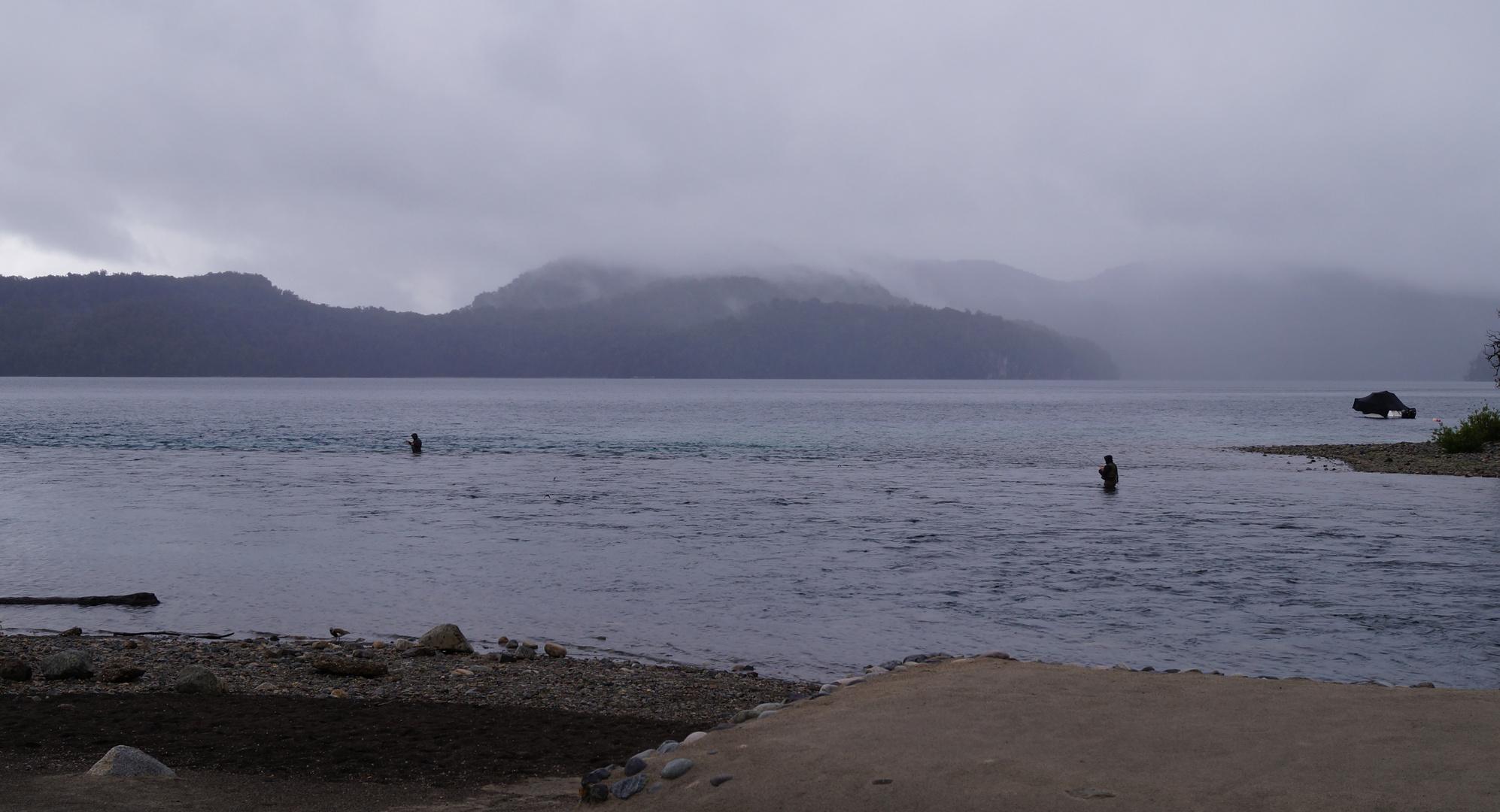 pescando en la lluvia...