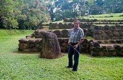 Peter erklärt uns die Welt der Maya