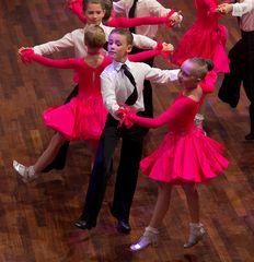 Petersburger Kindereformation bei der Tritsch-Tratsch Polka (2)