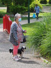 Petite pause pendant la promenade au parc