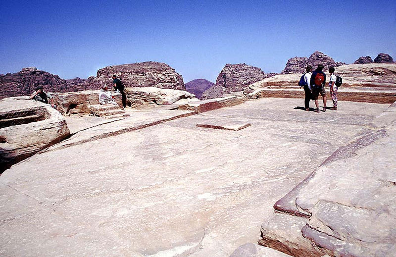Petra: Der Hochaltar Zibb Atuf