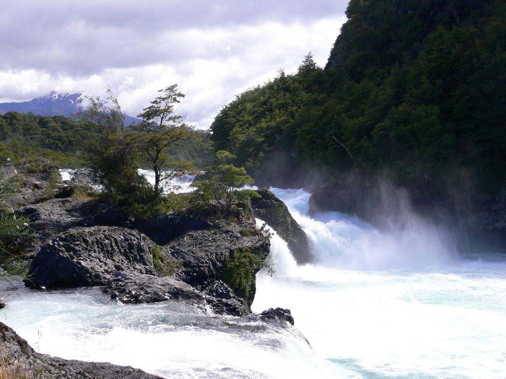Petrohué- Wasserfälle