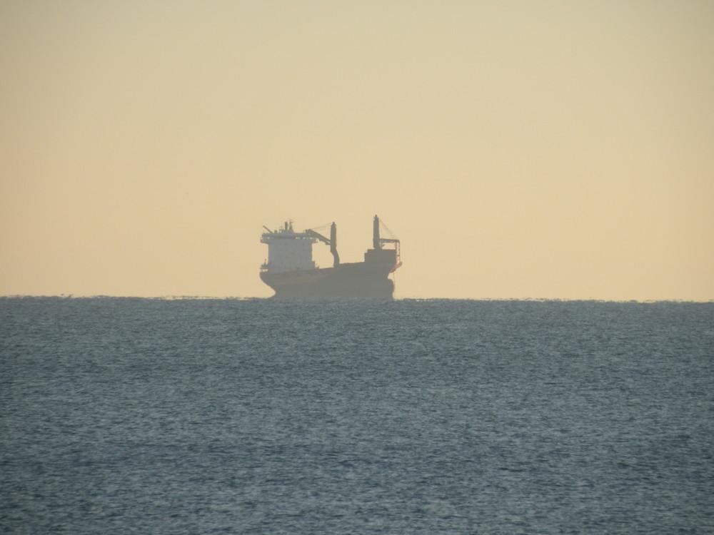 Petroliera in attesa