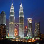 Petronas Twin Towers by night - Kuala Lumpur