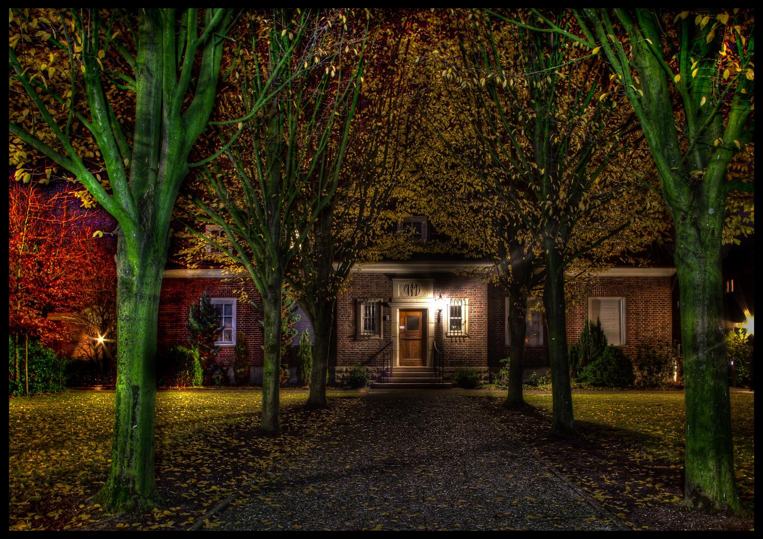 Pfarrbüro der St. Lamberti-Gemeinde Coesfeld bei Nacht