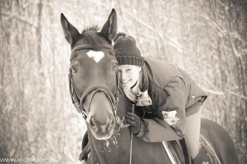 Pferd und Reiterin