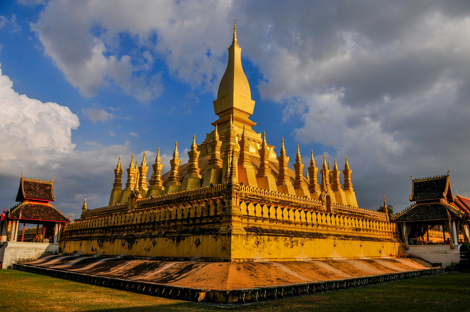 Pha That Luang