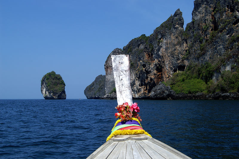 PhiPhi Island mit dem Longtail Boot