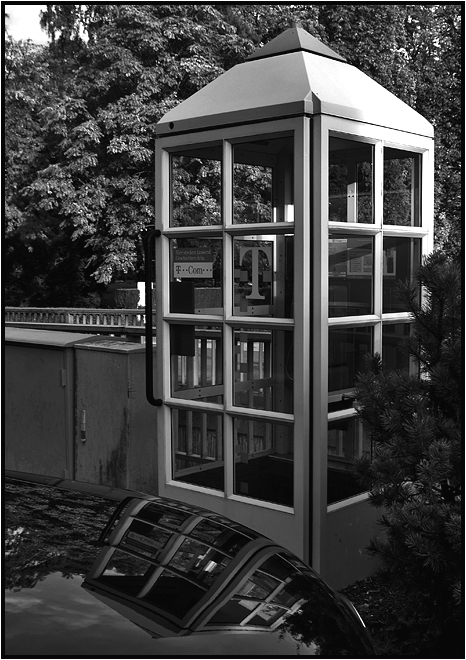 phone booth [ 5 ]
