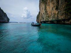 Pi-Leh Bay, Long tail boat
