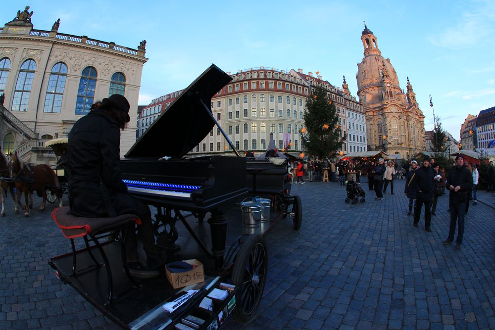 Pianist auf Rädern