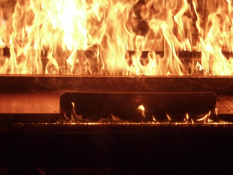 piano-fire-art