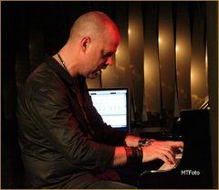 PIANO Jacob KARLZON Stuttgart Feb13