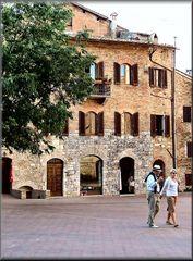 Piazza a San Gimignano