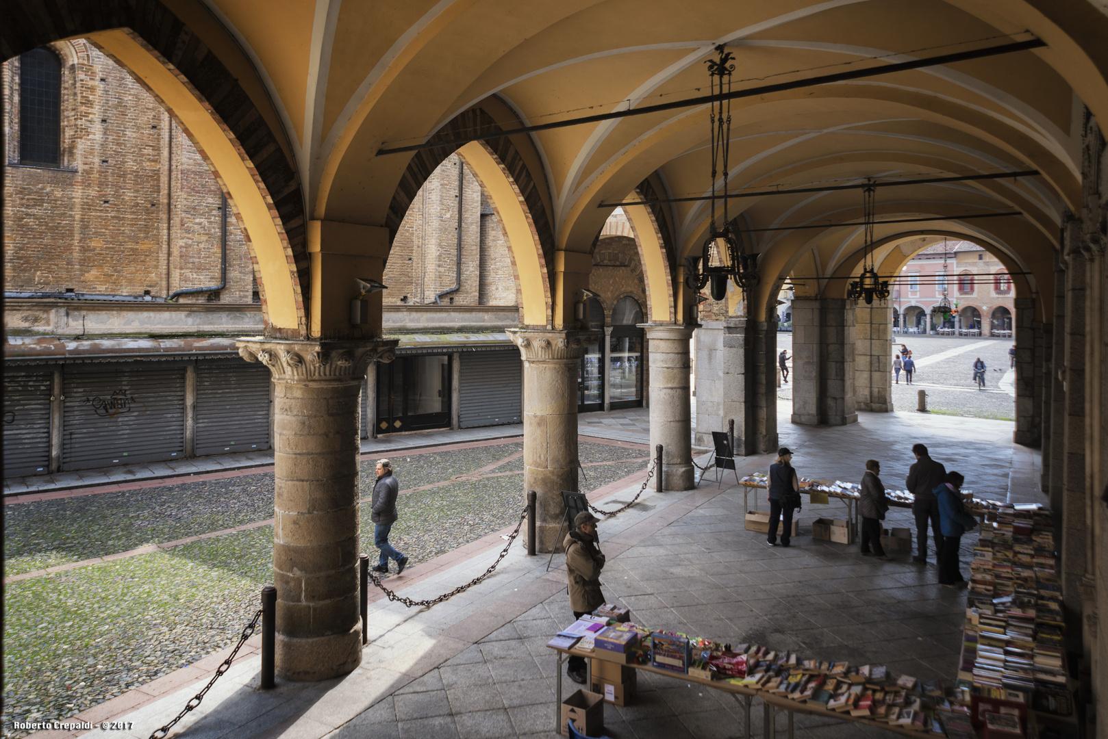 Piazza Broletto porticato, Lodi