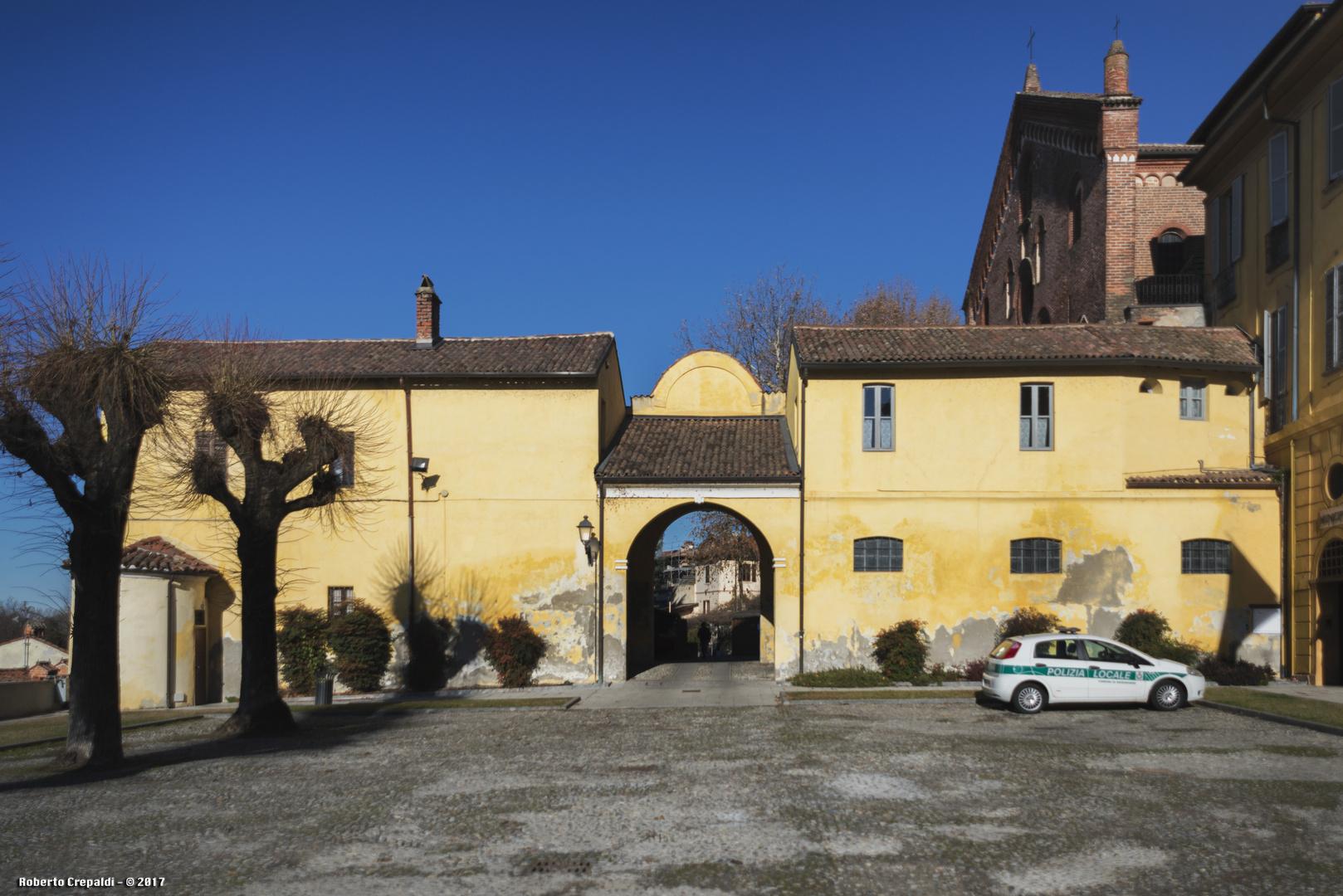 Piazza del municipio di Morimondo