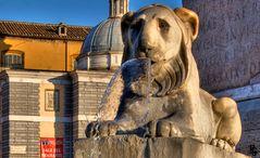 Piazza del Popolo - Particolare delle fontane alla base dell' Obelisco