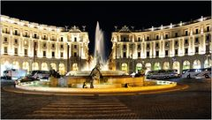 ... Piazza della Repubblica ...