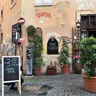 Piazza di S.Calisto nel cuore di Trastevere